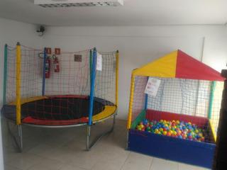 Locação De Brinquedos Piscina De Bolinhas E Cama Elástica