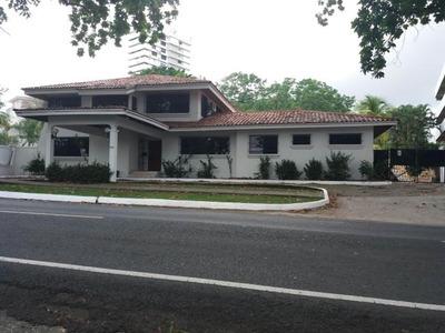 Alquiler Casa - Altos Del Golf 734mts. Gm6231