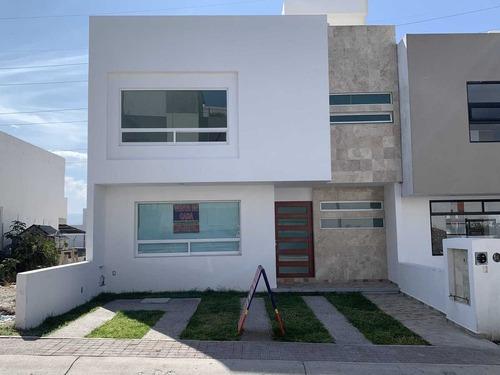 Encantadora Casa Venta En Fraccionamiento El Mirador Centrica Moderna