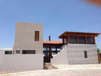 Casa En Venta En Balcones De Juriquilla