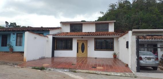 Casa En El Junco Urbanizacion El Rosal Ii. A 15 Min De Sc