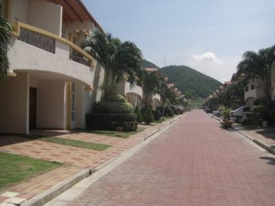 Arriendo Casa En Condominio Rodadero Santa Marta
