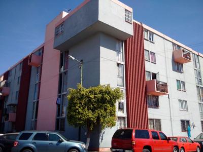 Departamento En Zona Centro (metro Candelaria)