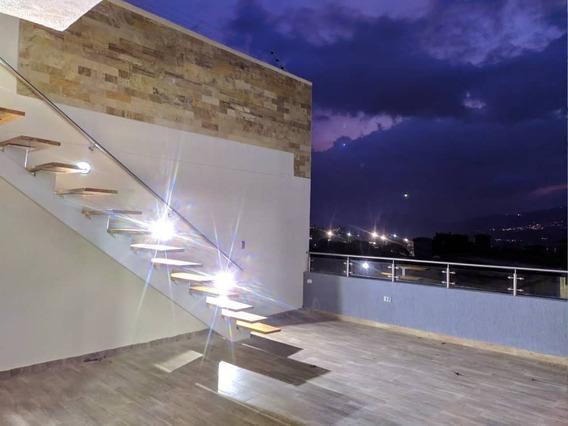 Casa De Lujo En Urbanizacion Villa Granadina