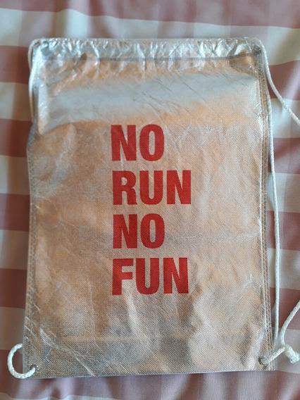 Mochila No Run No Fun - Carrera Carolina Herrera