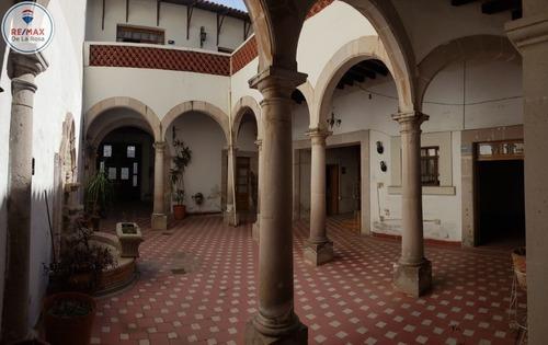 Venta En El Centro Histórico Casa Colonial Con Arcos