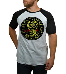 Camiseta Raglan Cobra Kai Strike First! - Karate Kid