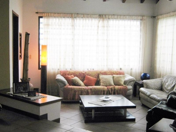 Casa En Venta Altos De Guataparo, Valencia Cod 20-2376 Ddr