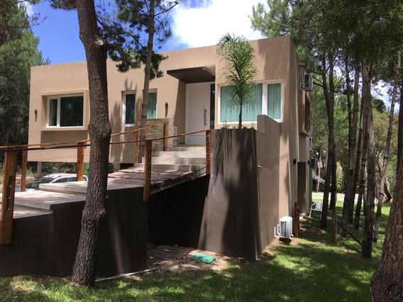 Casa De Diseño Muy Cerca De La Playa