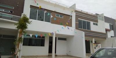 Se Vende Casa Nueva En Fracc. Lomas Del Valle