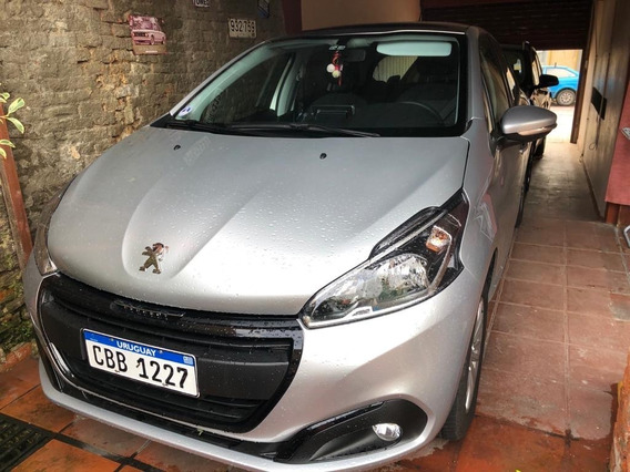 Peugeot 208 1,2 Allure, 82 Hp. Modelo 2020