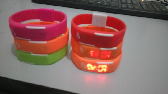 2 Relógios Pulseira Digital Led + 4 De Brindes Sem Bateria