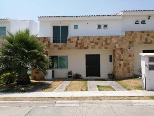 Casa En Renta En El Fraccionamiento Lomas De Angelópolis Ii Parque El Deseo.