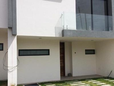 Casa Nueva De Lujo En Renta En Condominio Triventi Residencial