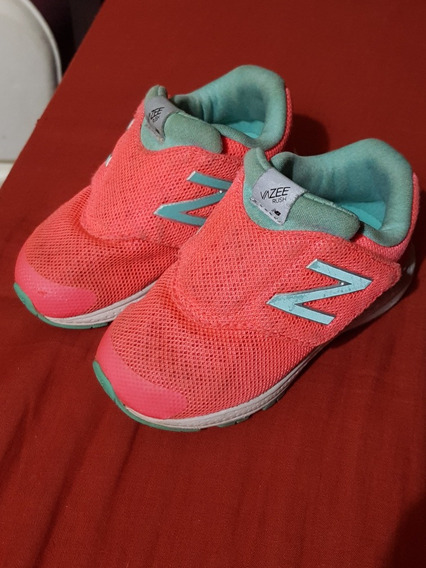 Hermosos Zapatos Deportivos Originales New Balance Niña Nike