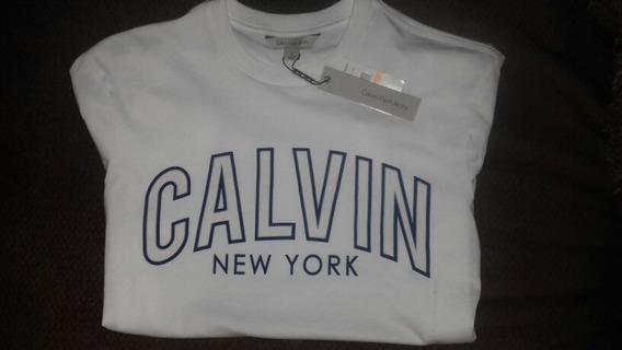 Calvin Klein, Playera Hombre Chica