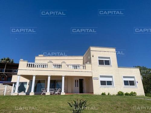 Punta Ballena Casa En Venta Cuatro Dormitorios- Ref: 27048