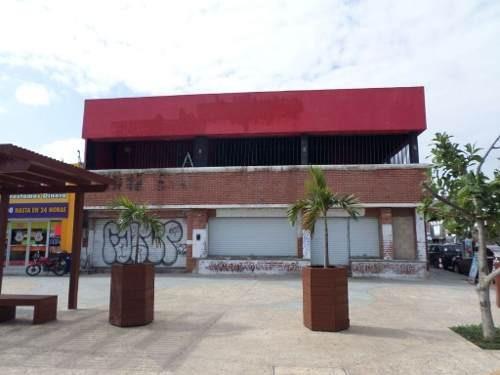 Local Comercial En Renta Cancun Zona Centro 450m2 C2400