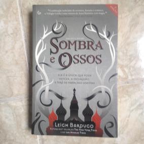Livro Sombra E Ossos Trilogia Grisha 1 - Leigh Bardugo - C2
