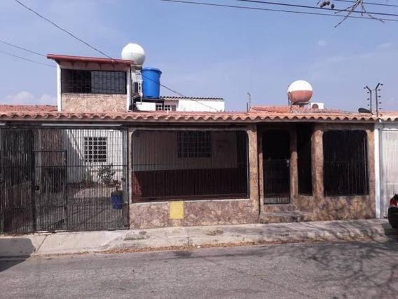 En Venta Casa Cabudare 20-2721