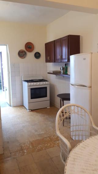 Alquiler Casa Amueblada De 2 Habitaciones En Gazcue