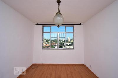 Apartamento No 6º Andar Com 2 Dormitórios E 1 Garagem - Id: 892918168 - 218168