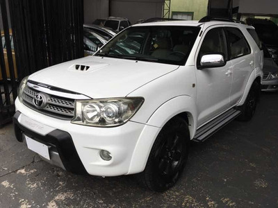 Toyota Hilux Sw4 Srv 3.0 4x4 Diesel 2011 Branco 7 Lugares