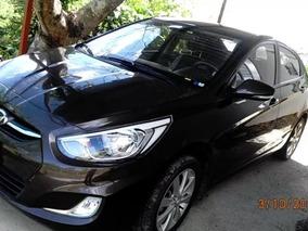 Se Vende Hyundai Acent Blue 2017 1,5 Mill Efectivo Y Resto
