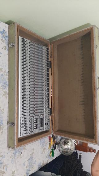 Mesa De SomMesa De SomBehringer EurodeskModelo Sl 3242 Fx