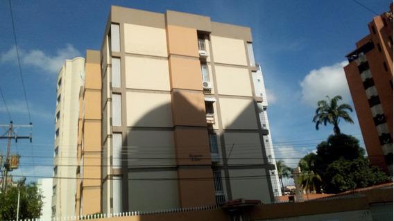 Amplio Apartamento Negociable El Bosque 04145861828