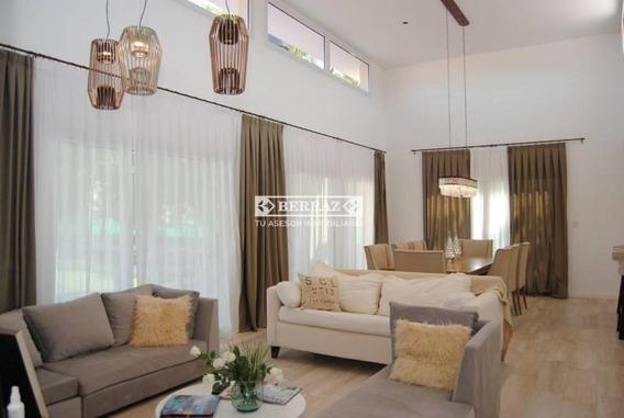 Casa 5 Ambientes En Venta En Pilar Del Este
