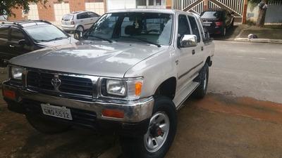 Toyota Hilux 2.8 Sr5 Cab. Dupla 4x4 4p 2001