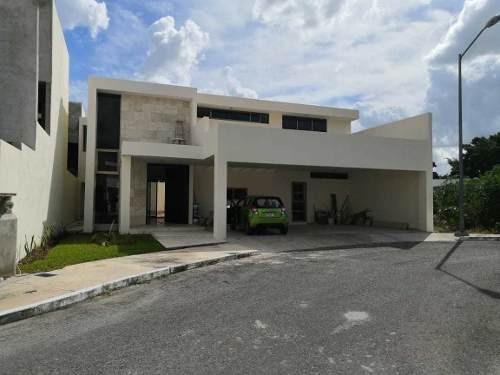 Se Vende Casa Nueva En Marsella, Mérida