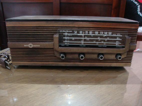 Antigo Radio Motoradio Década De 70 Rc M61 De Madeira