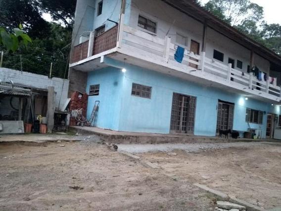 Chácara Com Área Total De 1.020m² E 160m² De Área Construída