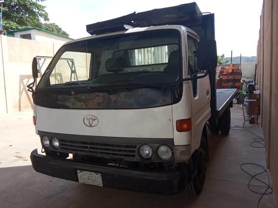 Toyota Dina Batea 99