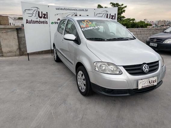 Volkswagen - Fox 1.0 Trend Flex Completo 2010