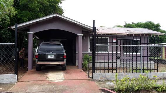 Casa De Alquiler En Urb La Arboleda David