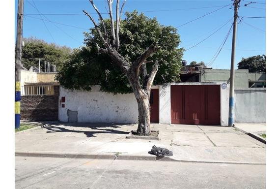 Casa En Venta - Bº La Tablada - 1 Dormitorio