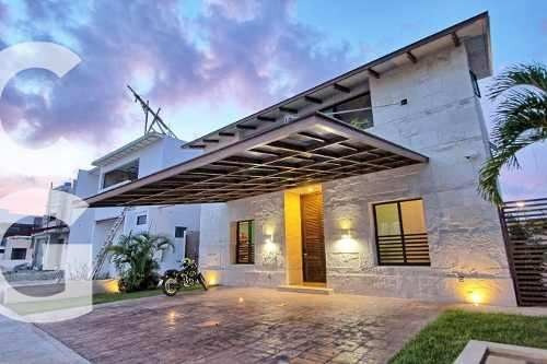 Casa En Venta En Cancun En Lagos Del Sol De 4 Recamaras