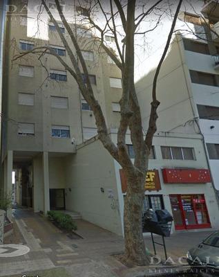 Departamento En Alquiler En La Plata Calle 56 E/ 6 Y 7 Dacal Bienes Raices