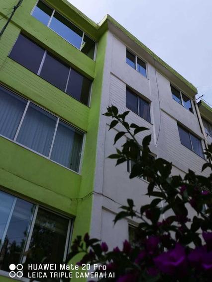 Departamento Remodelado Con Áreas Verdes Y Vigilancia