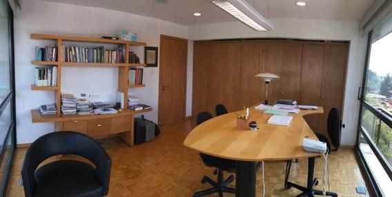 Oficina En Venta Recien Remodelada, Excelente Ubicación