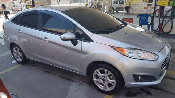 New Fiesta Sedan 1.6 Completo + Kit Multimídia + Gnv 5ª