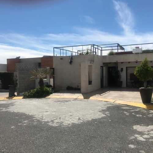Casa En Venta. Privada Arboledas, Queretaro. Rcv200213-lr