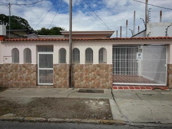 Casa En Venta Centro Barquisimeto 20-25068 Jm 04145717884