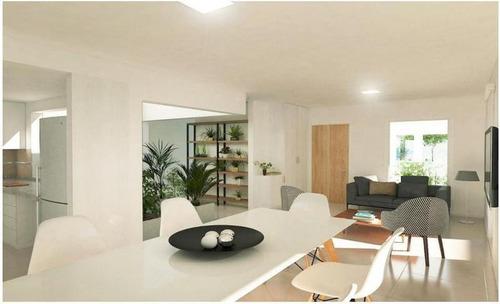 Imagen 1 de 6 de Casa En Venta En Docta. 2 Dormitorios, Doble Cochera Y Galería Con Asador. Recibe Menor.
