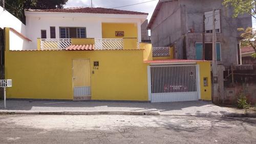 Casas - 3 Dormitórios             - 1039