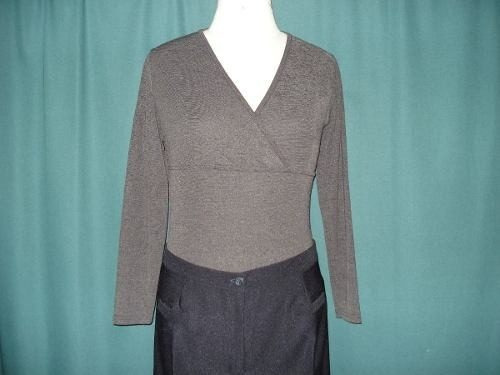 Diseño : Remera Gris , Talle L , Impecable, Mirala!!!!