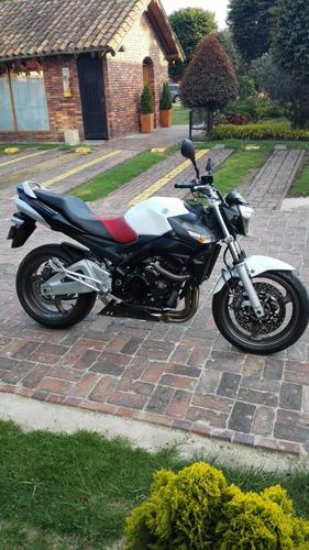 Suzuki Gsr 600 Blanca